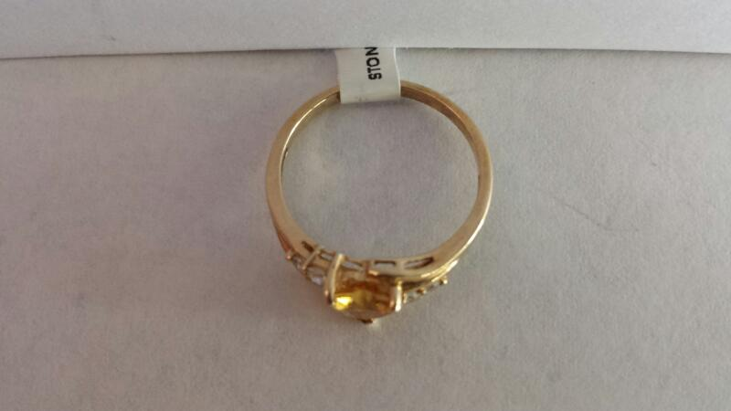 10k Yellow Gold Ring with 1 Yellow Heart and 4 Diamonds