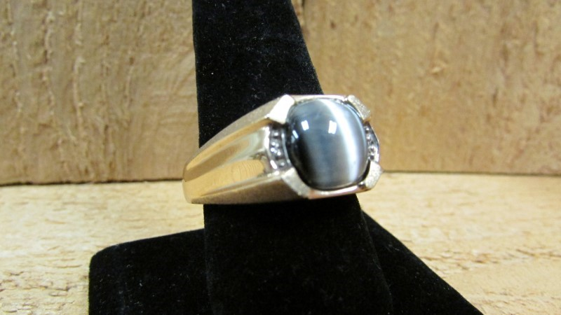 Synthetic Cats Eye Crysoberyl Gent's Stone & Diamond Ring