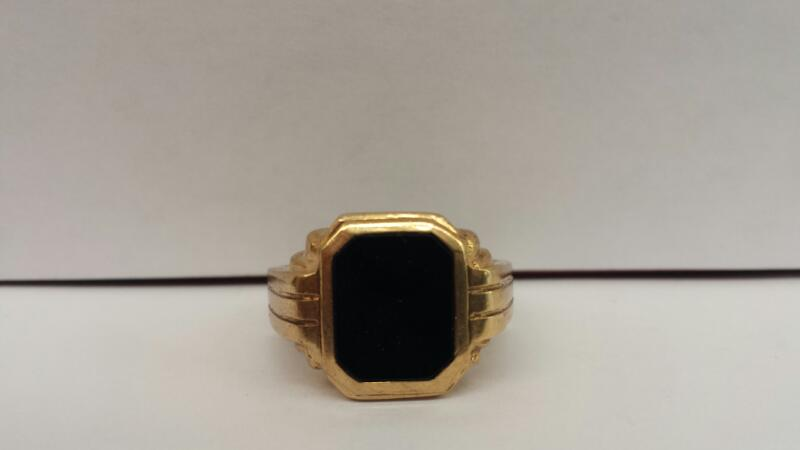 10k Yellow Gold Ring with 1 Black Stone - 4.2dwt - Size 9
