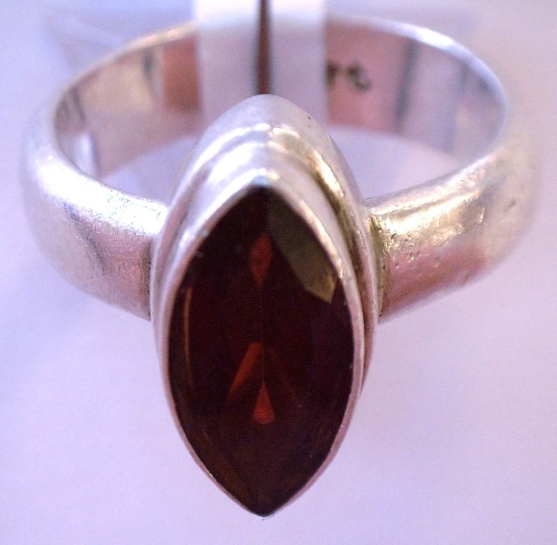 Red Stone Lady's Silver & Stone Ring 925 Silver 4.98dwt Size:7