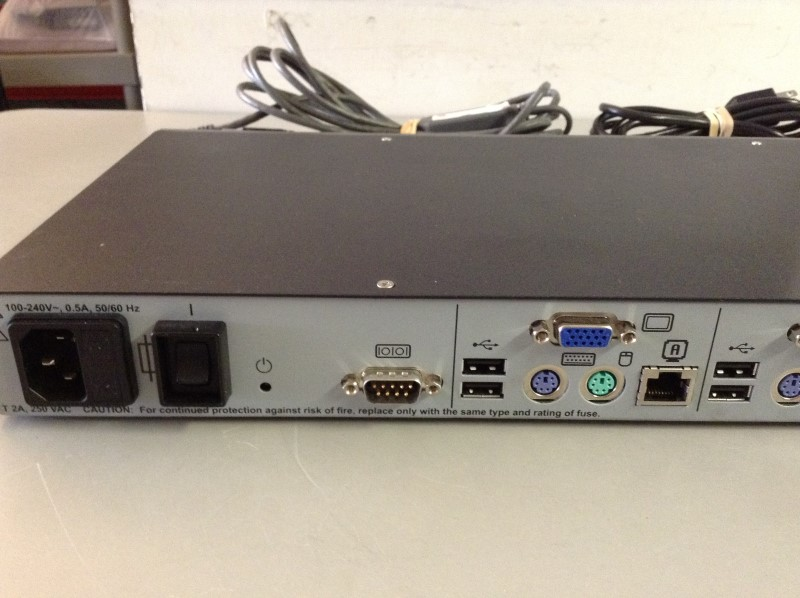 AVOCENT AUTOVIEW 1515 8 port 2 Users PS2 USB KVM Switch