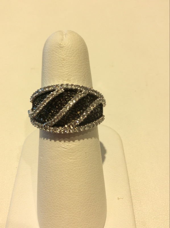 New White Gold Black & White Diamond Ring 1.25 CTTW