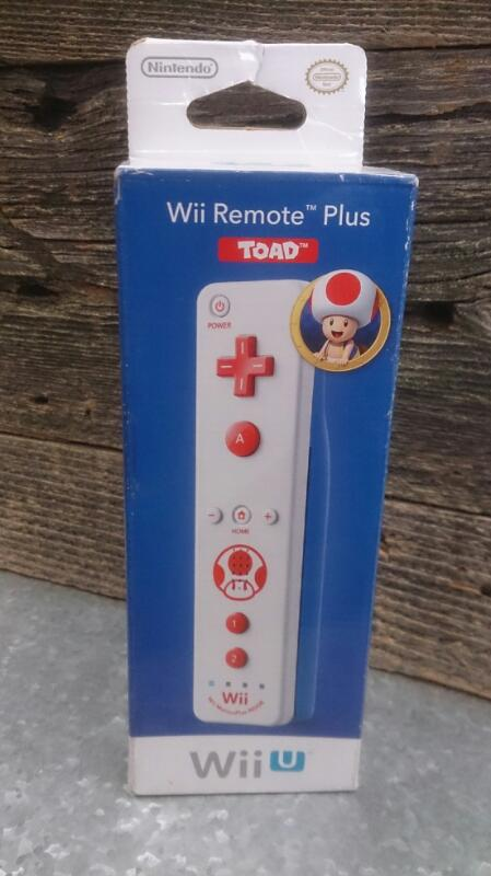 NINTENDO WII U  TOAD REMOTE PLUS NEW