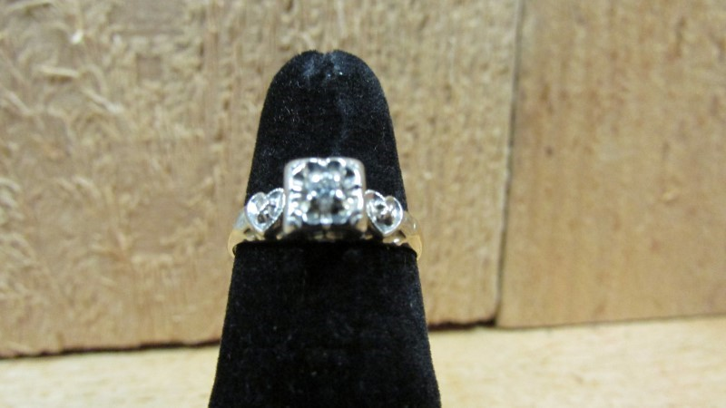 Lady's Diamond Engagement Ring 0.05 CT. 14K Yellow Gold 2g