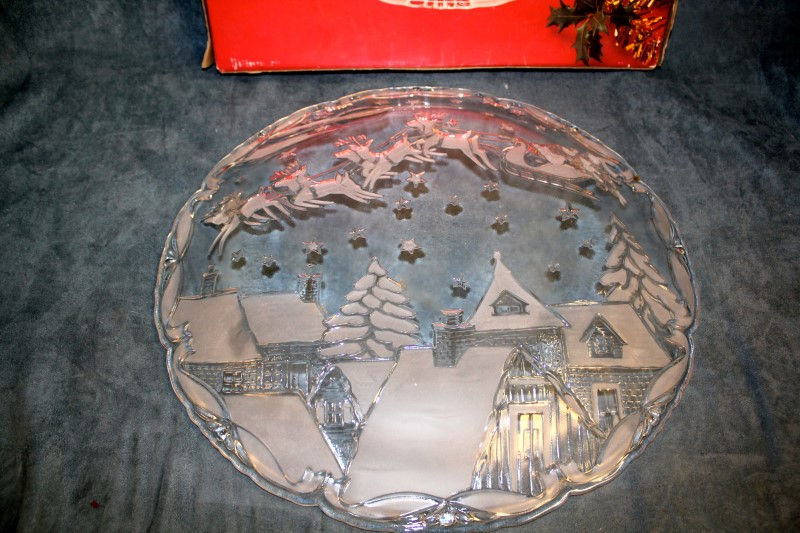 "Mikasa Christmas Village 15-1/2"" Hostess Platter - Model SA855/313"