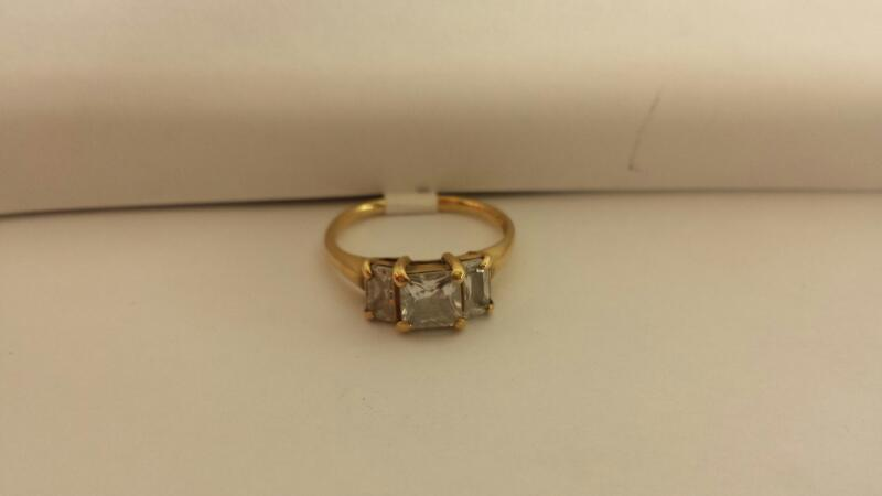 10k Yellow Gold Ring with 3 Stones