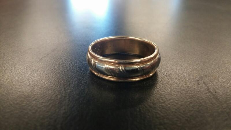 Gent's Gold Ring 14K 2 Tone Gold 5.5dwt Size:10.5