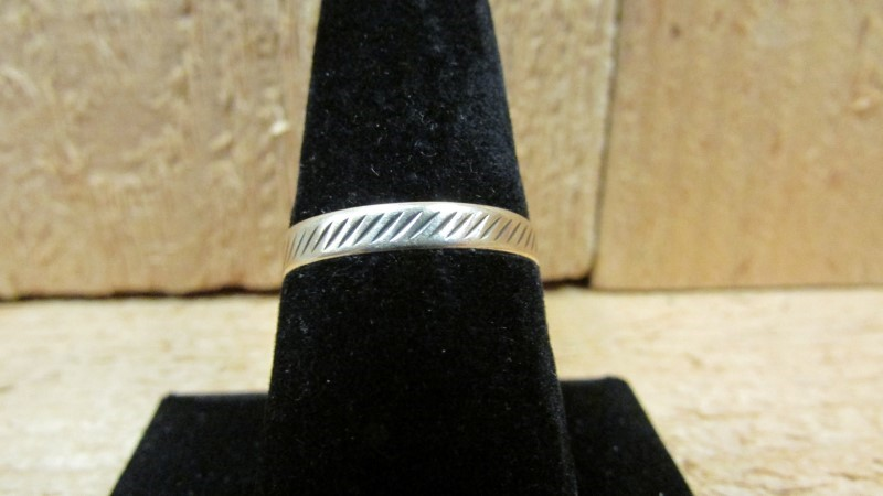 Gent's Gold Ring 10K Yellow Gold 1g Size:10