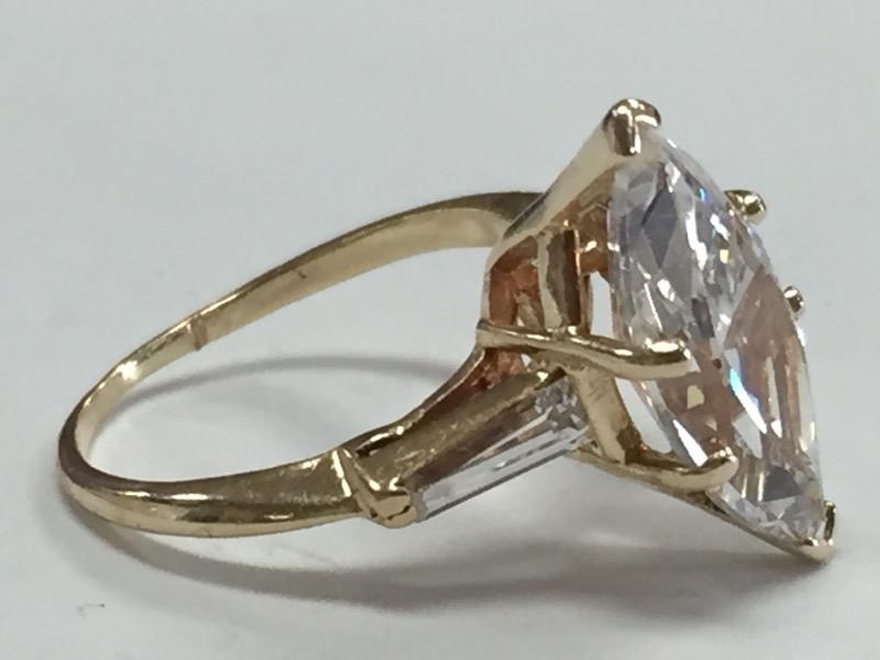 White Stone Lady's Stone Ring 14K Yellow Gold 3.36g Size:5