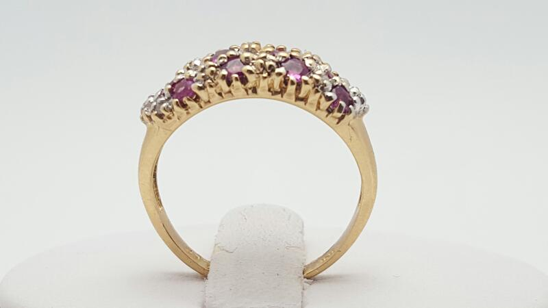 Ruby Lady's Stone Ring 10K Yellow Gold 2.8g