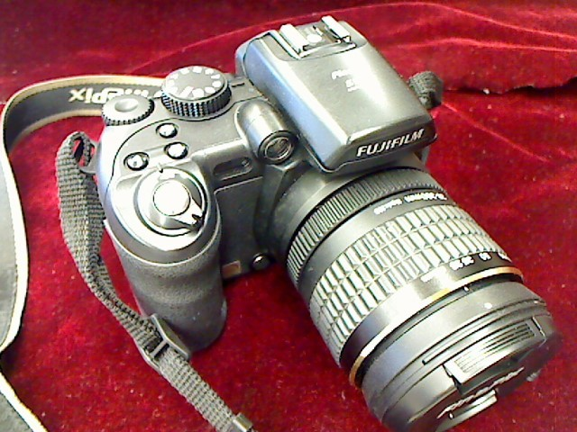 FUJIFILM FINEPIX S9100 9MP, 10.7 OPTICAL