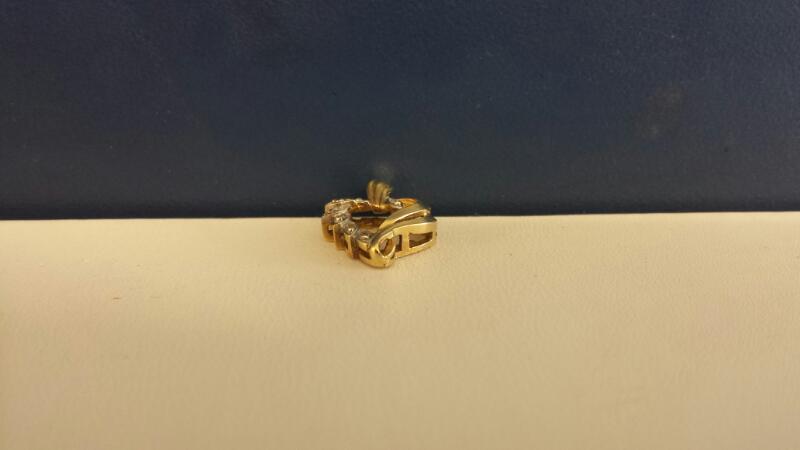 Gold-Multi-Diamond Pendant 7 Diamonds .07 Carat T.W. 10K Yellow Gold 1dwt