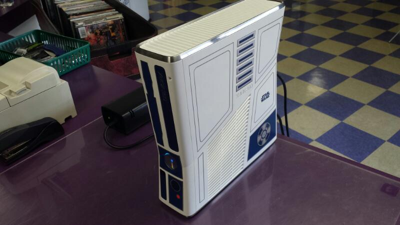 Microsoft Xbox 360 320gb Limited Edition R2-D2 Star Wars Bundle