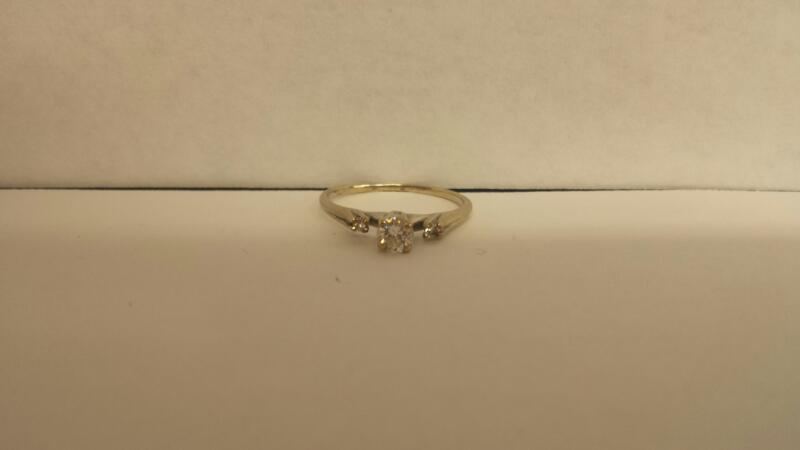 LDS 14KT Lady's Diamond Engagement Ring 3 DIAMONDS 3 Diamonds .35 Carat T.W.