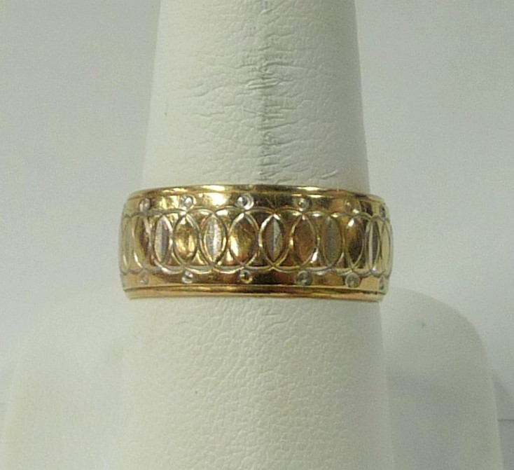 Lady's Gold Ring 10K Yellow Gold 3.26dwt