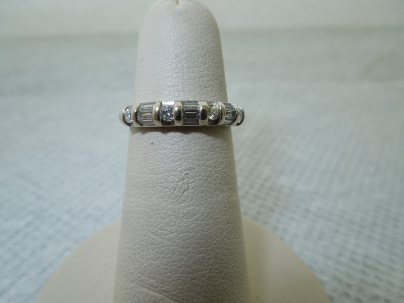 Lady's Diamond Cluster Ring 13 Diamonds .26 Carat T.W. 14K White Gold 2.3g