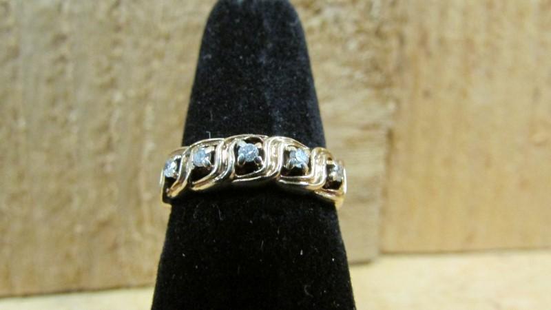 Lady's Diamond Fashion Ring 5 Diamonds 0.1 Carat T.W. 14K Yellow Gold 2.6g