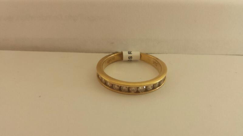 14k Yellow Gold Ring with 14 Diamonds