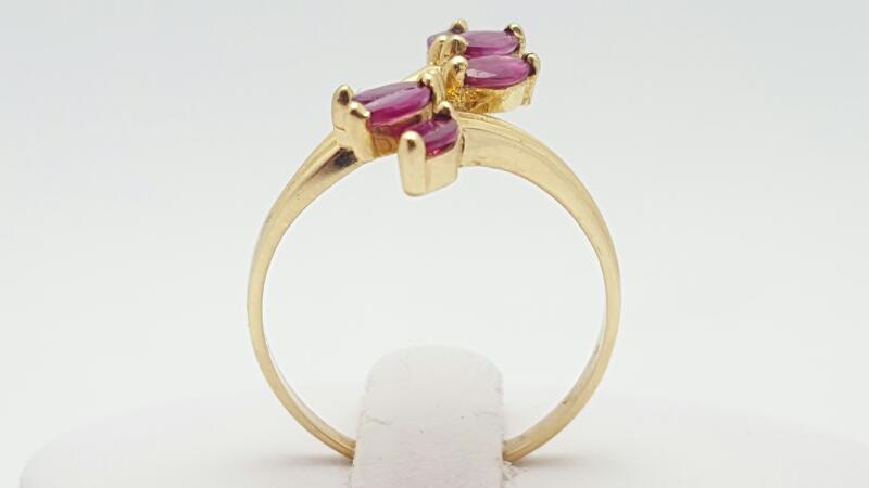 Red Stone Lady's Stone Ring 14K Yellow Gold 2.9g Size:8