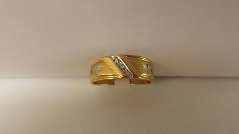 10k Yellow Gold Ring with 3 Diamond Chips and 2 Crosses