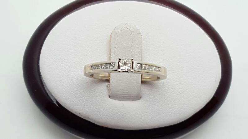 Lady's Diamond Engagement Ring 13 Diamonds .30 Carat T.W. 14K White Gold 3.6g