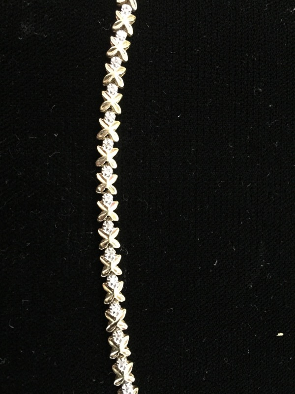 Gold-Diamond Bracelet 32 Diamonds .32 Carat T.W. 14K Yellow Gold 6.6g
