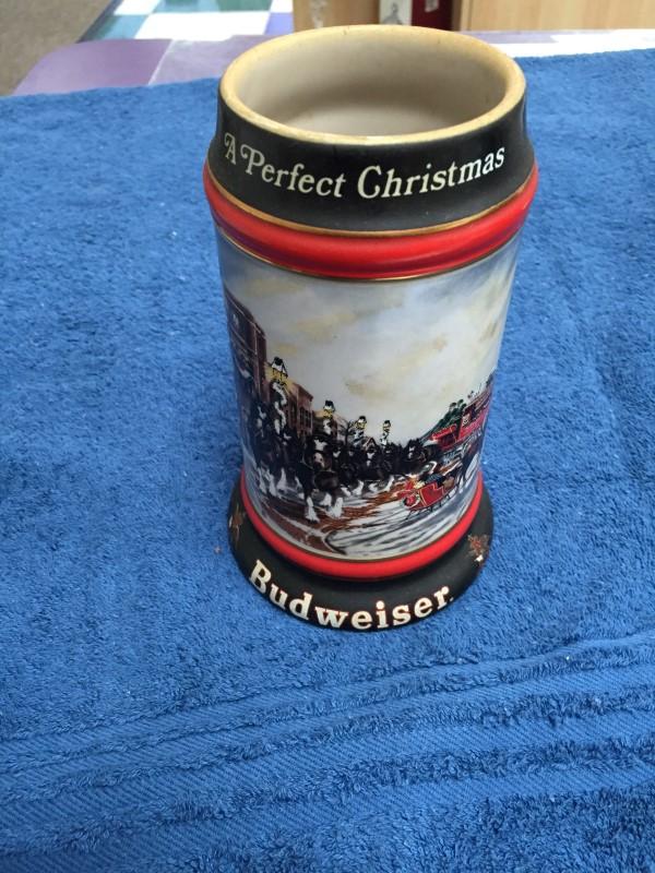 """BUDWEISER ANHEUSER BUSCH 1992 HOLIDAY STEIN """"A PERFECT CHRISTMAS"""""""