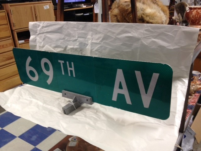69TH AVE ROAD SIGN