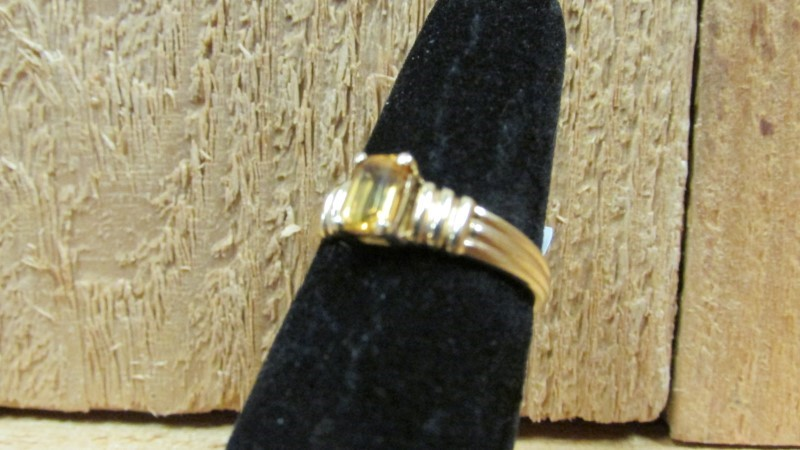 Synthetic Citrine Lady's Stone Ring 10K Yellow Gold 2.2g Size:7