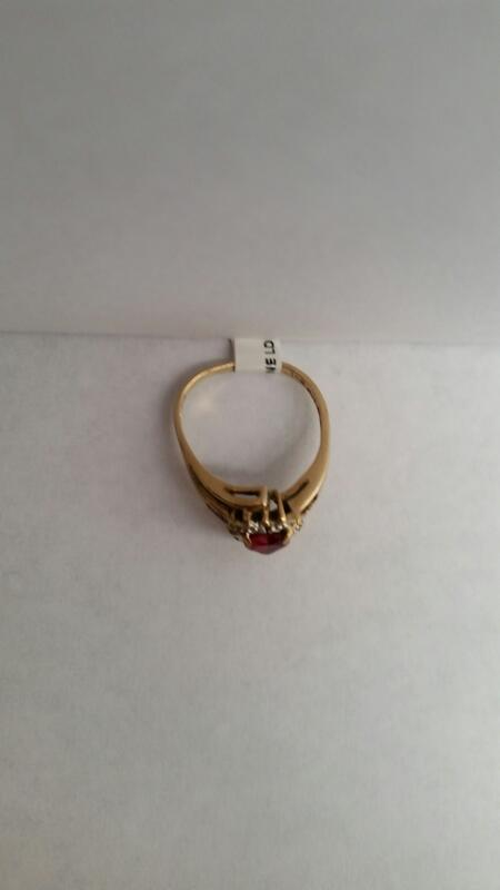 10k Yellow Gold Ring with Red Heart and 11 Diamond Chips