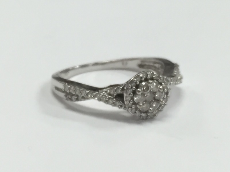 DIAMOND HALO ENGAGEMENT RING, 10K WHITE GOLD, SIZE 6.75
