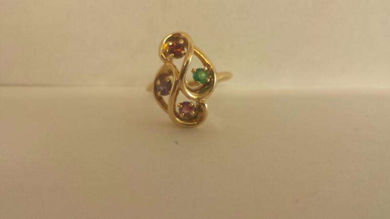 Green Stone Lady's Stone Ring 14K Yellow Gold 3dwt Size:7