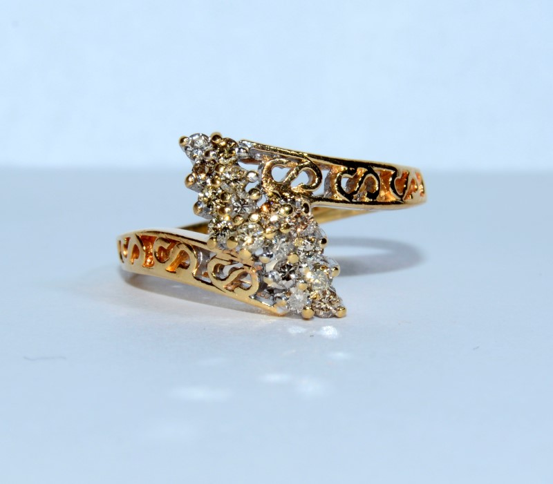 10K Yellow Gold Marquise Shaped Diamond Cluster Fliligree Ring sz 5.25