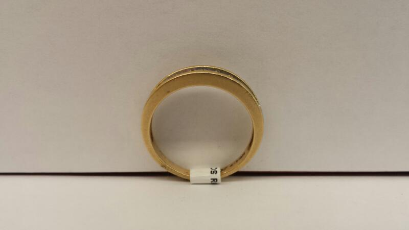 10k Yellow Gold Ring with 10 Diamonds