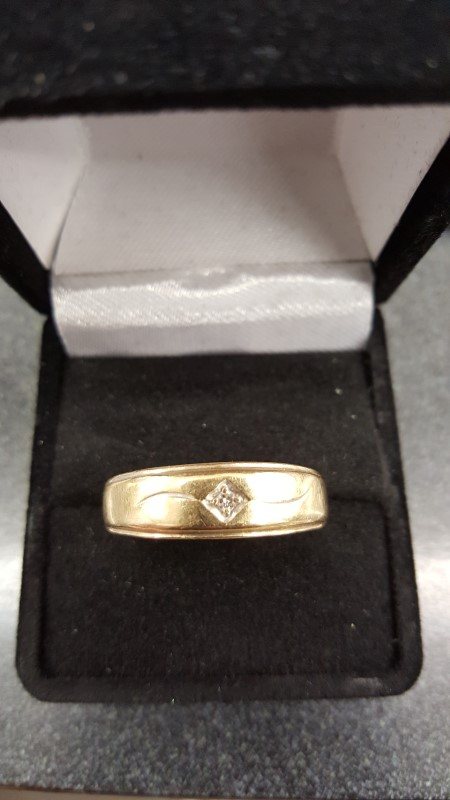 Gent's Diamond Fashion Ring .03 CT. 14K Yellow Gold 4.3g Size:12