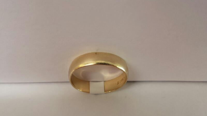 Gentlemen's 14k Yellow Gold Plain Band