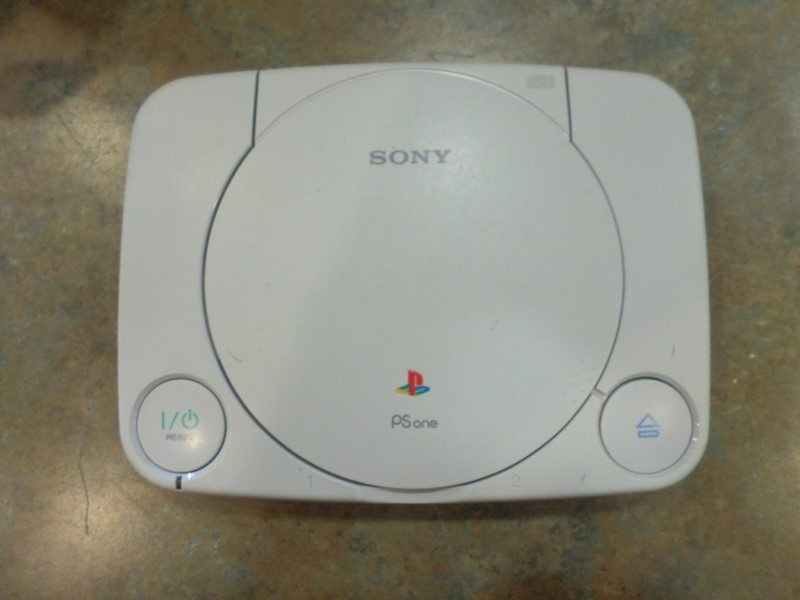 SONY PlayStation PLAYSTATION 1 - GAME CONSOLE