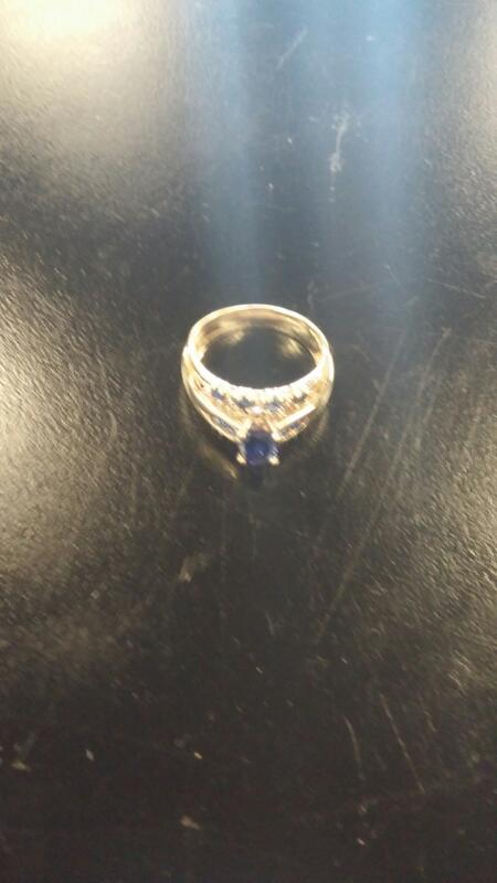 Synthetic Agate Lady's Stone Ring 10K Yellow Gold 2.2dwt Size:7
