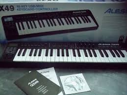 ALESIS Keyboards/MIDI Equipment QX49