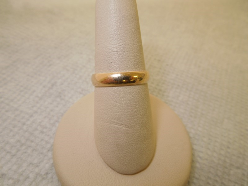 Lady's Gold Ring 14K Yellow Gold 2.4g Size:8