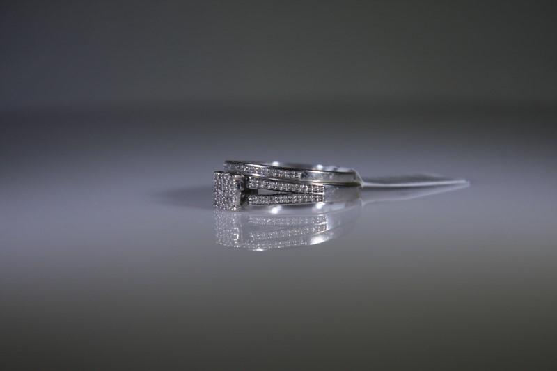 Lady's Diamond Wedding Set 108 Diamonds 1.08 Carat T.W. 10K White Gold 3.9g