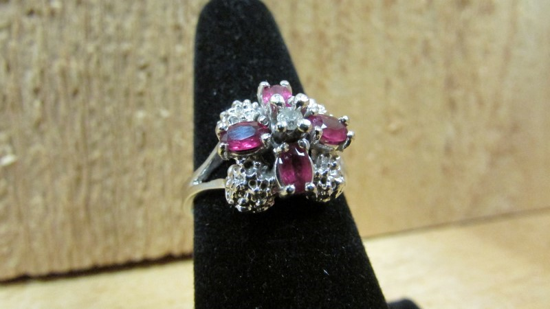 Red Stone Lady's Stone & Diamond Ring .07 CT. 10K White Gold 5.1g Size:9