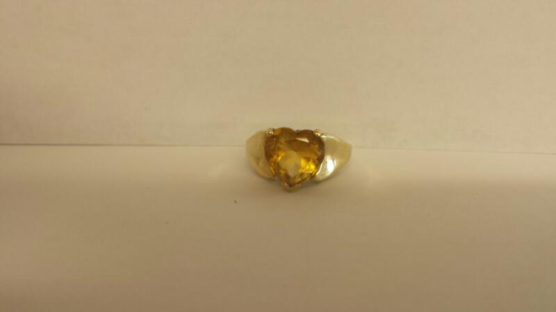 Yellow Stone Lady's Stone Ring 10K Yellow Gold 2.2dwt Size:7