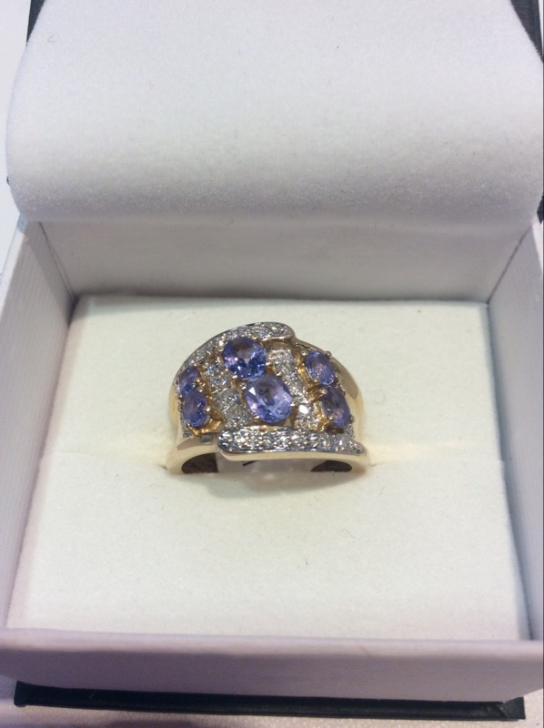 Synthetic Tanzanite Lady's Stone & Diamond Ring 22 Diamonds .22 Carat T.W.