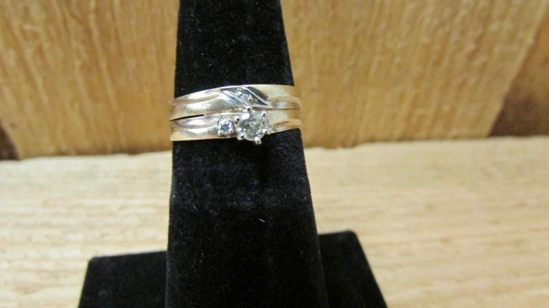 Lady's Diamond Wedding Set 3 Diamonds .18 Carat T.W. 10K Yellow Gold 1.8g