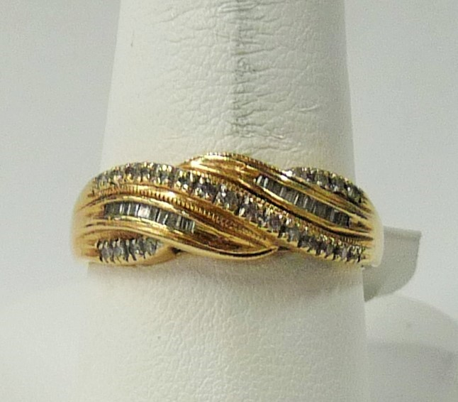 Lady's Gold Ring 14K Yellow Gold 2.17dwt