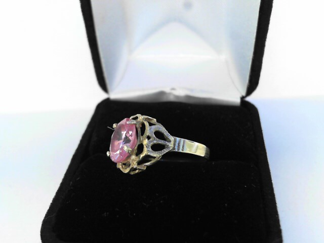 Pink Stone Lady's Stone Ring 14K Yellow Gold 1.9dwt