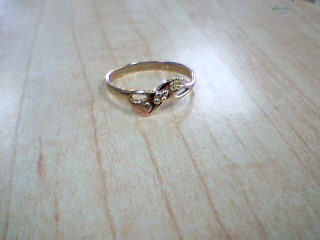 Lady's Gold Ring 10K Yellow Gold 1.3g Size:7