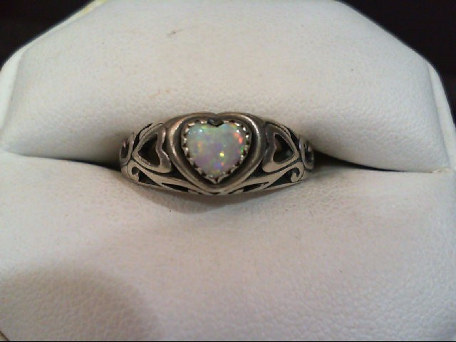 Very Cute Lady's Silver Ring with Heart Shaped Opal 925 Sterling Silver 4.2grams