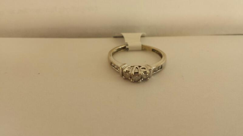 10k White Gold Ring with 9 Diamonds